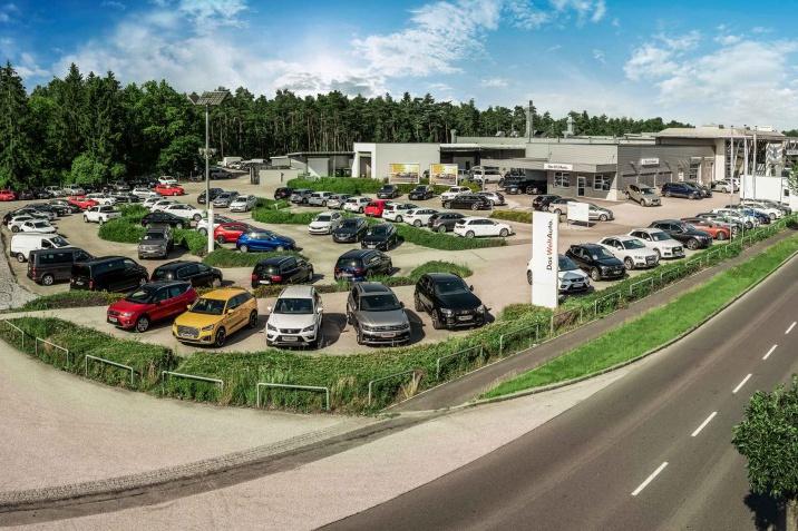 700 Autos sofort verfügbar